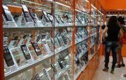 В российских магазинах дорожают гаджеты и бытовая техника