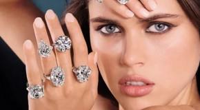 Россияне стали покупать меньше украшений с бриллиантами